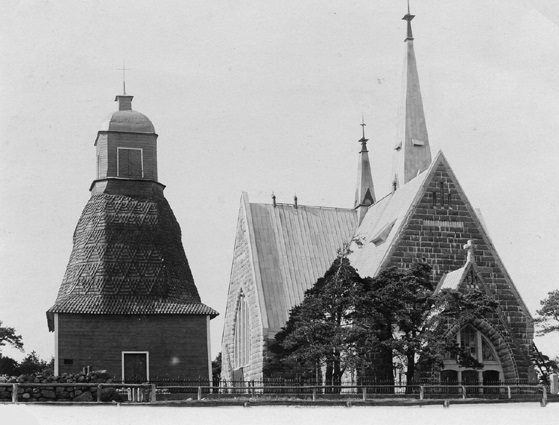 Tiedosto:Koivisto church and old belltower.jpg