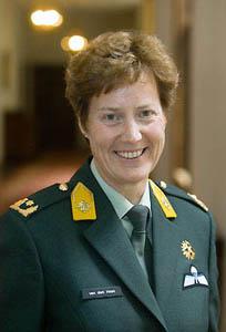 Vrouwelijke generaal [ bewerken ]: https://nl.wikipedia.org/wiki/Generaal