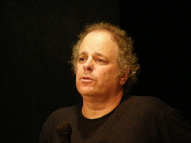 Archivo:MIchael Albert at B-Fest 2009 II.jpg