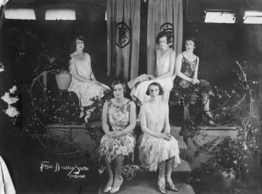 File:Mannequin parade at Finney Isles and Co., Brisbane ...