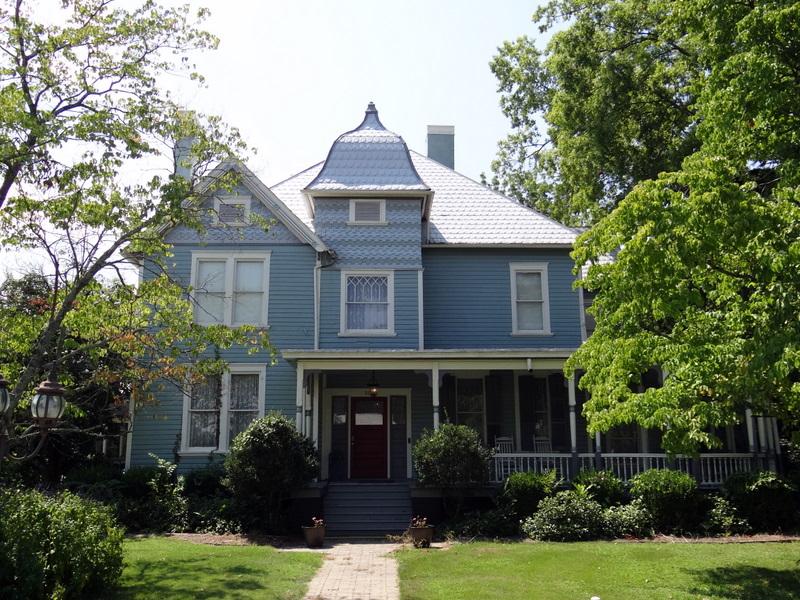 File:McElderry-Malone Home, c1905..jpg