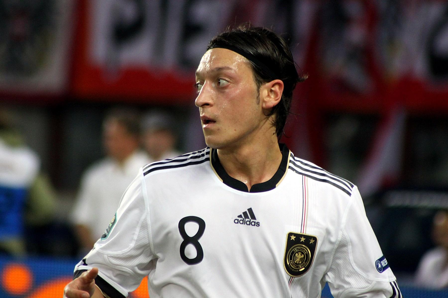 Resultado de imagen para Mesut Özil 2011