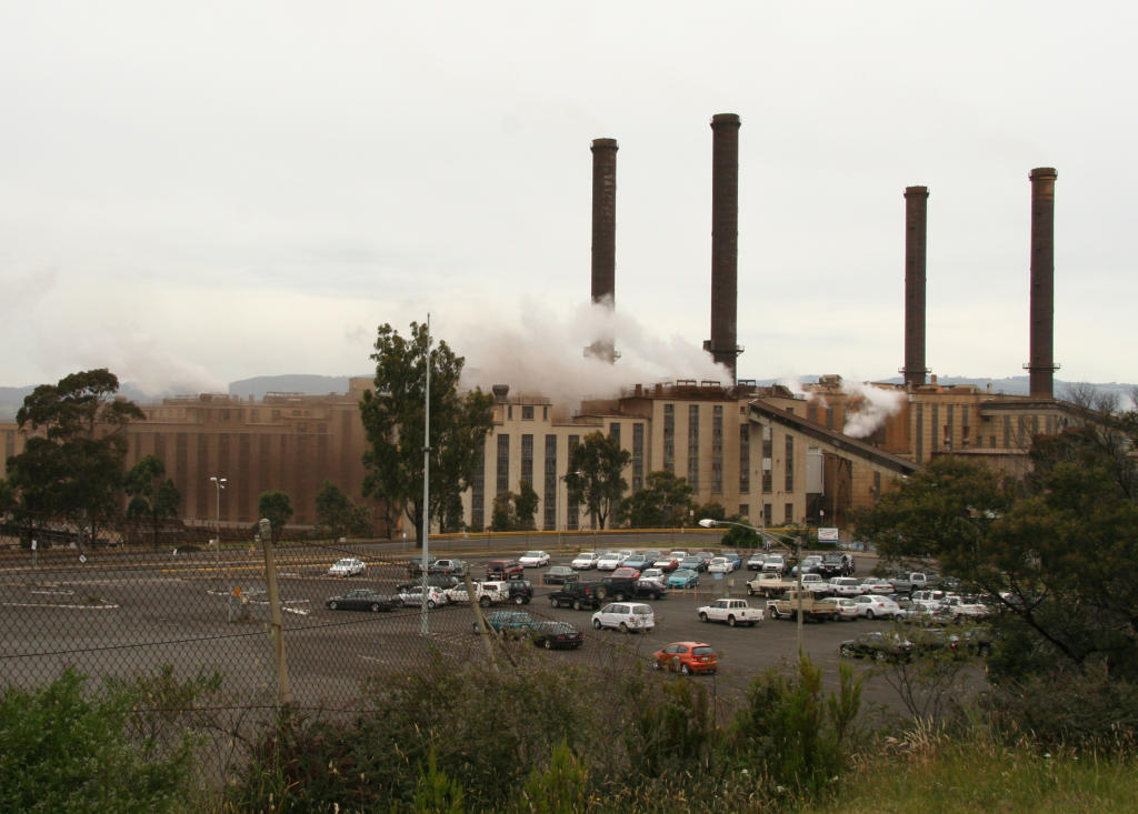 http://upload.wikimedia.org/wikipedia/commons/c/c1/Morwell_power_station.jpg