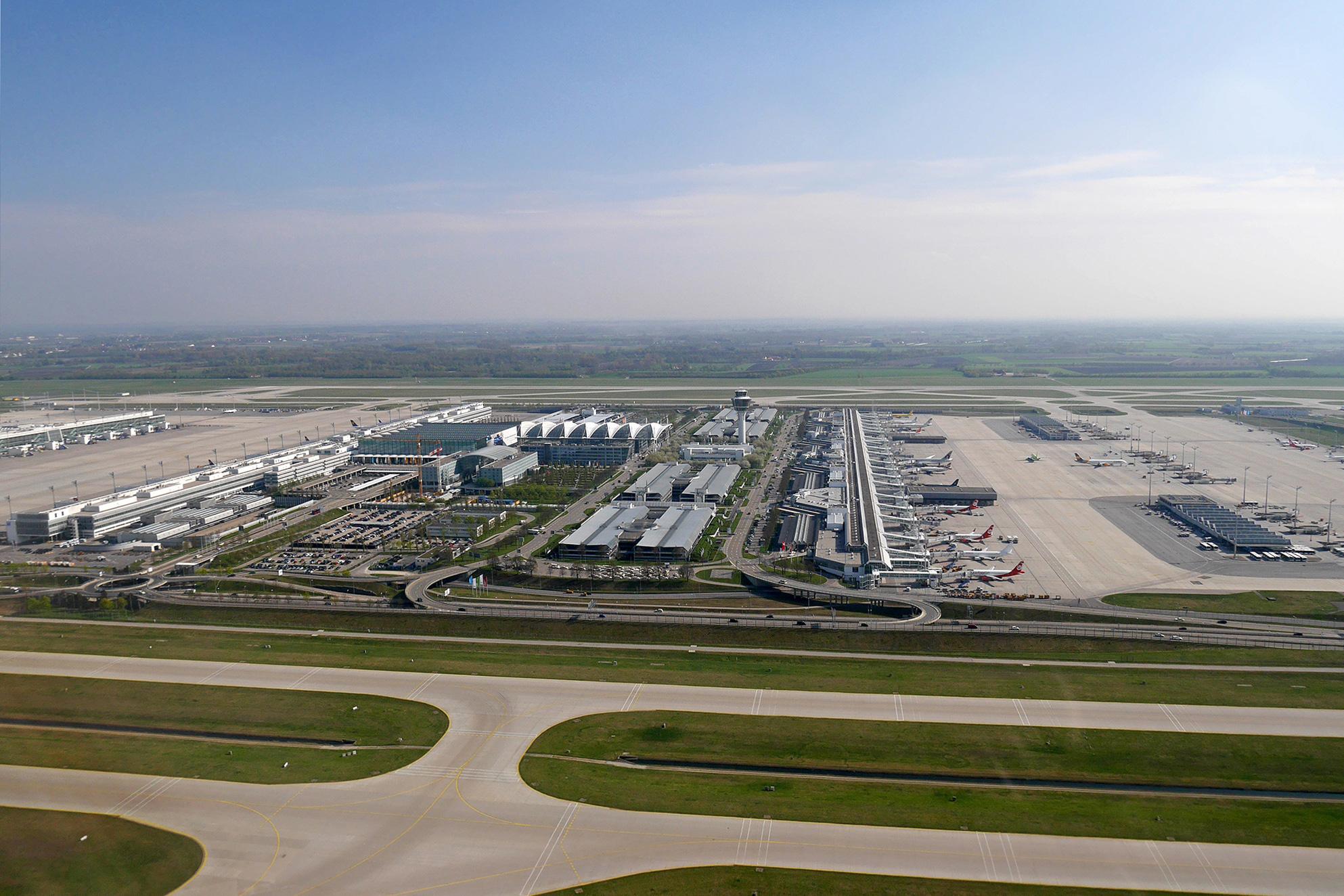 Munich_Airport_Aerial_View_T1_T2_MAC.jpg