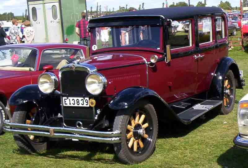 Nash_Standard_Six_Series_420_4-Door_Sedan_1929.jpg