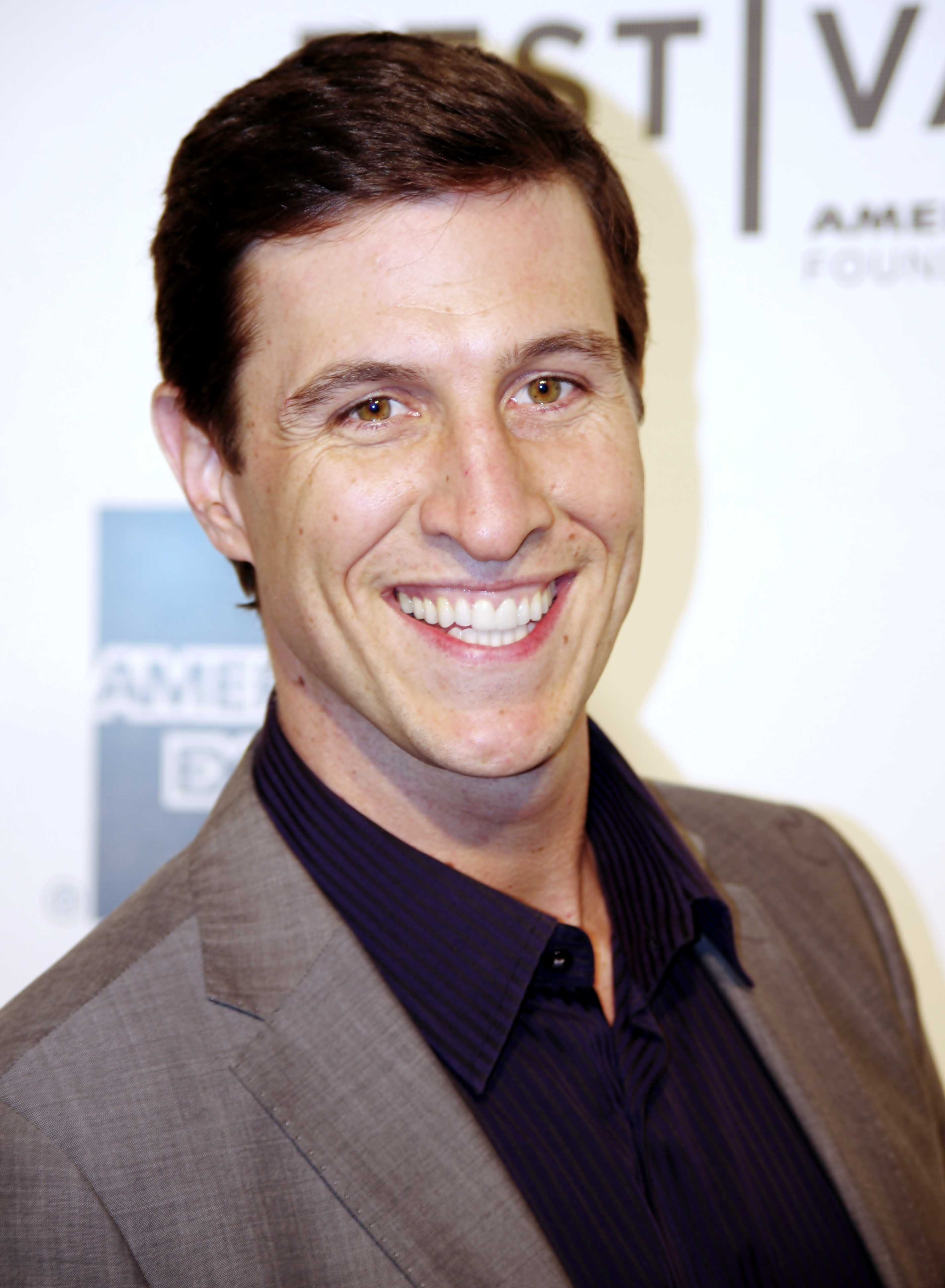 The 40-year old son of father Tell Schreiber and mother Lorraine Reaveley Pablo Schreiber in 2018 photo. Pablo Schreiber earned a  million dollar salary - leaving the net worth at 5 million in 2018