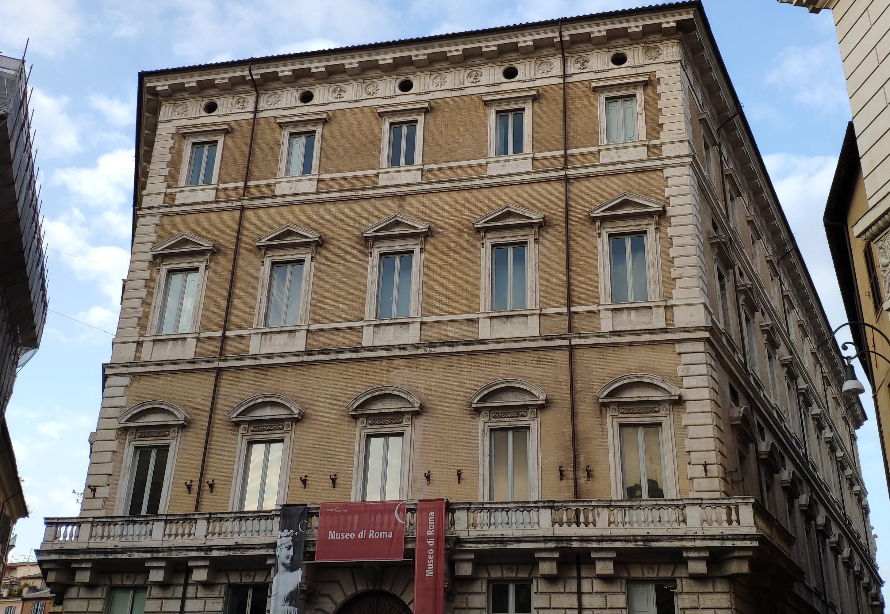 Giovannetti Mobili Roma Lazio palazzo braschi - wikipedia