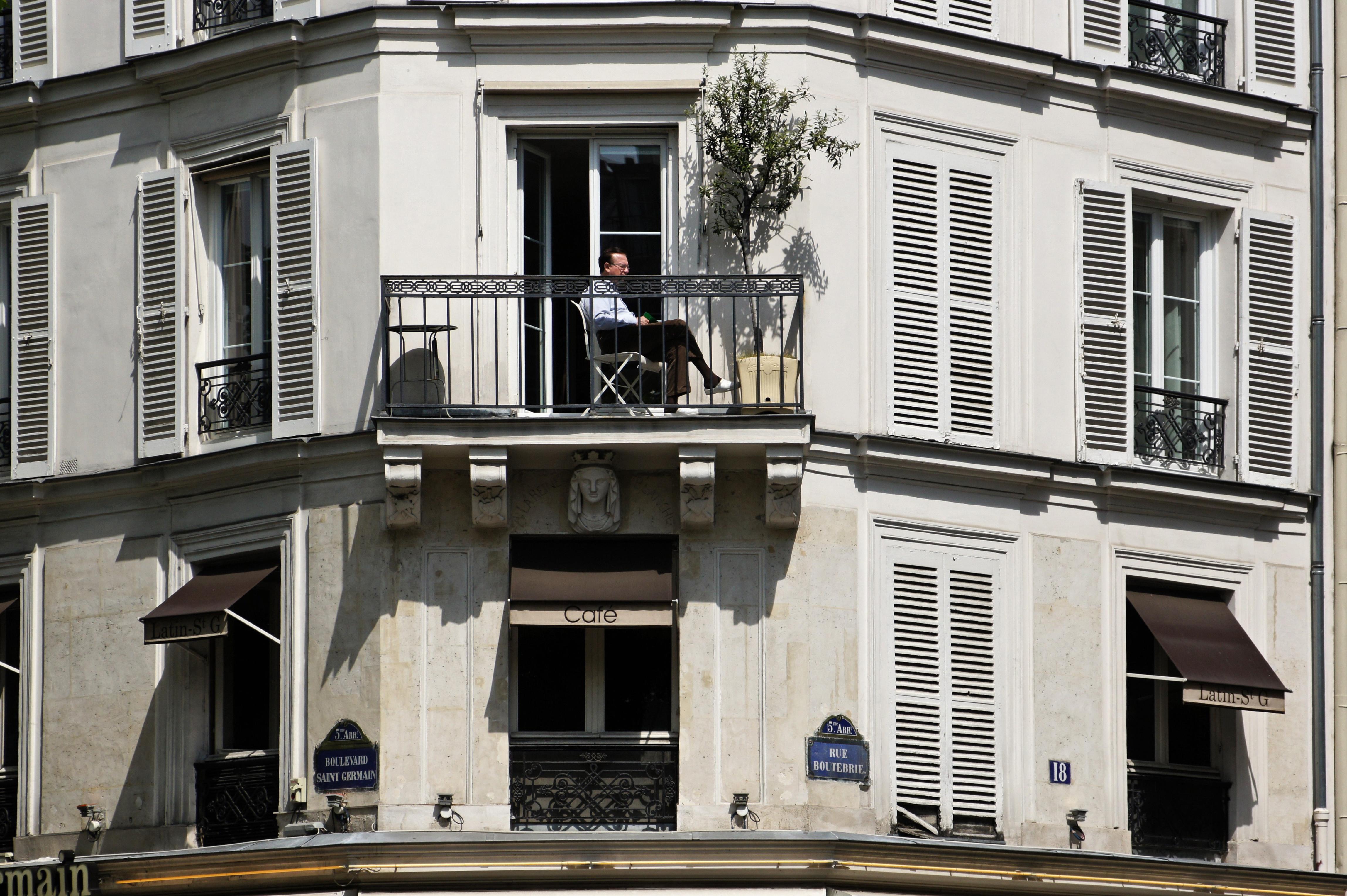 Le Caf Ef Bf Bd Saint M Ef Bf Bddard  Rue Censier  Paris France