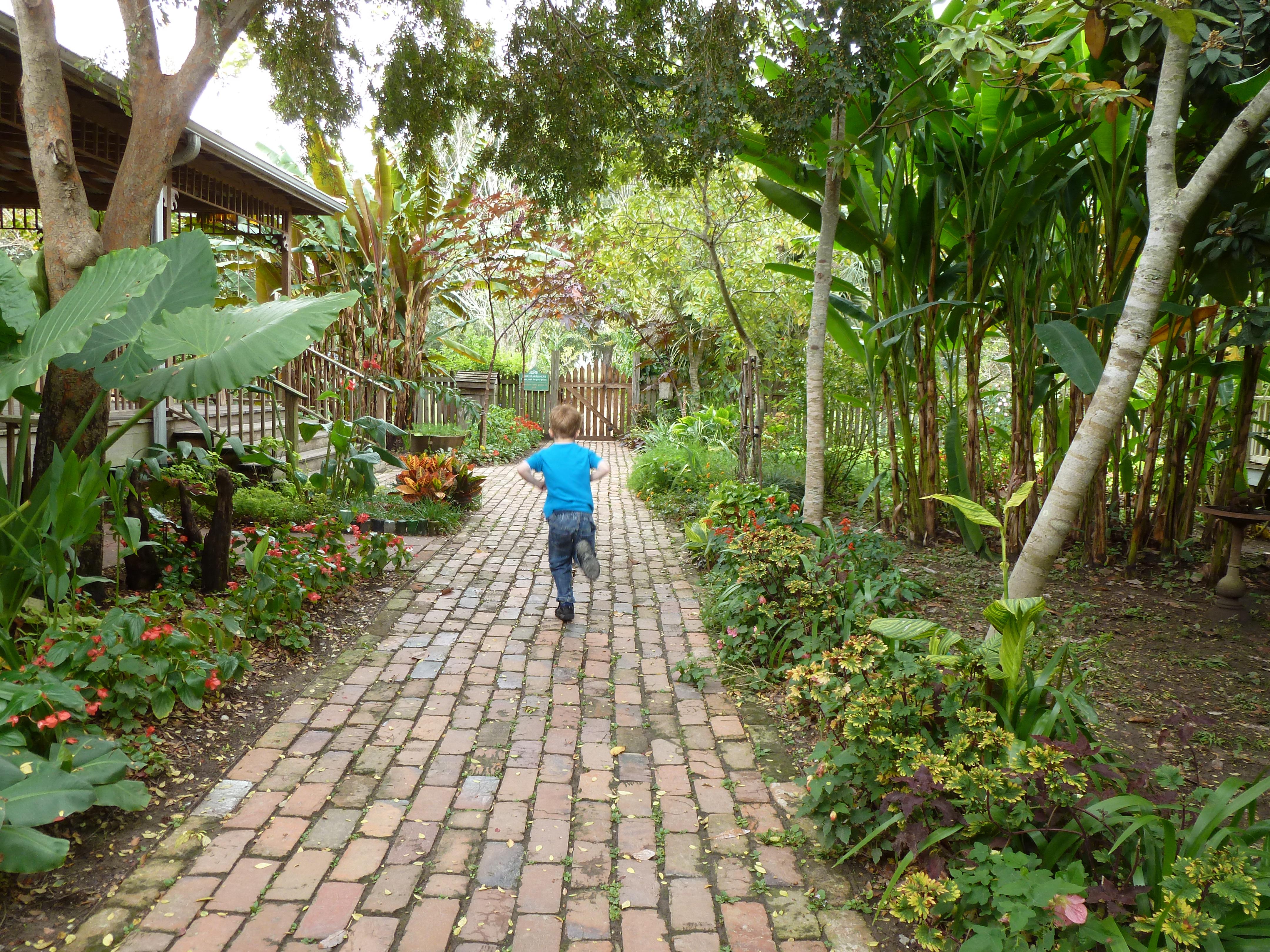 How to lay brick walkway - File Path At Laura Plantation Jpg