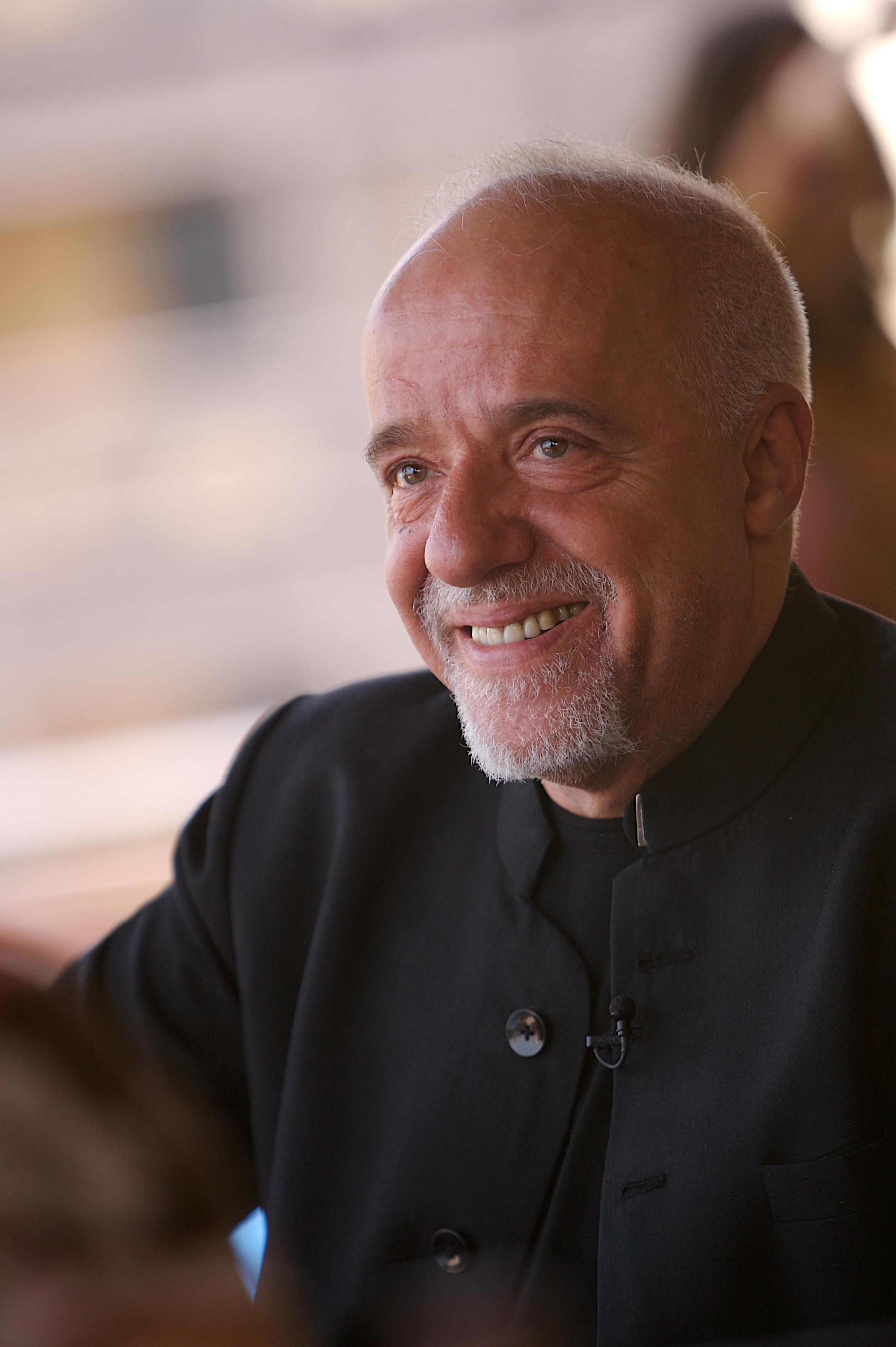 Paulo Coelho photo #0