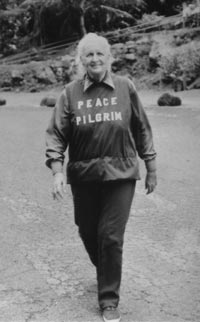 Peace Pilgrim in 1980 in Hawaï