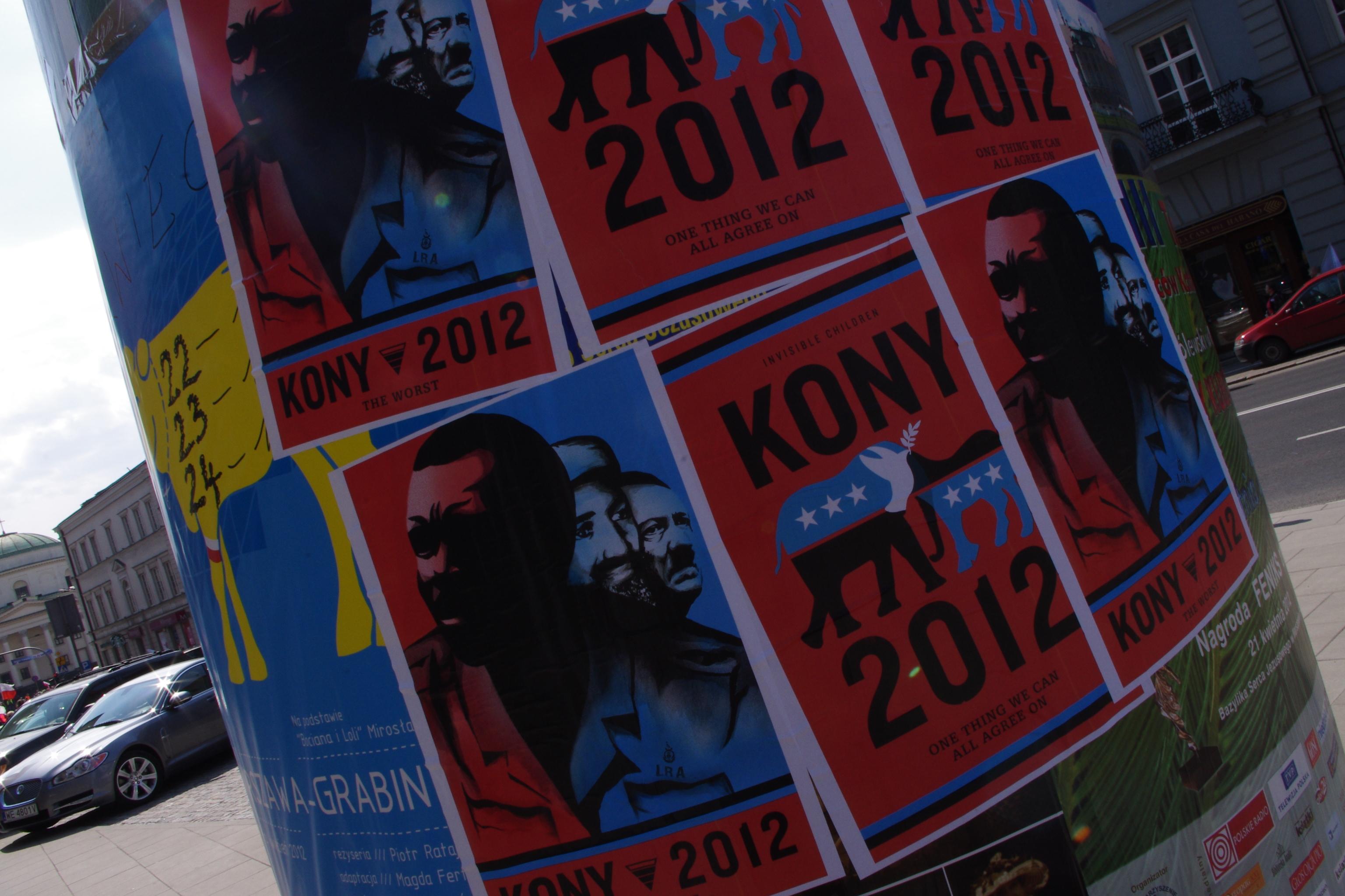 ملفplakat Akcji Kony 2012 Przy Pl Trzech Krzyży W