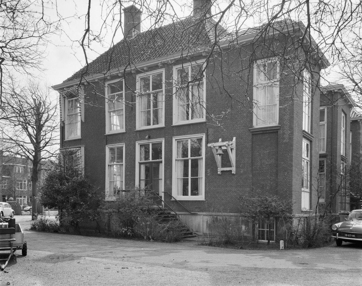 Rechter_zijgevel_-_Rijswijk_-_20187977_-_RCE.jpg