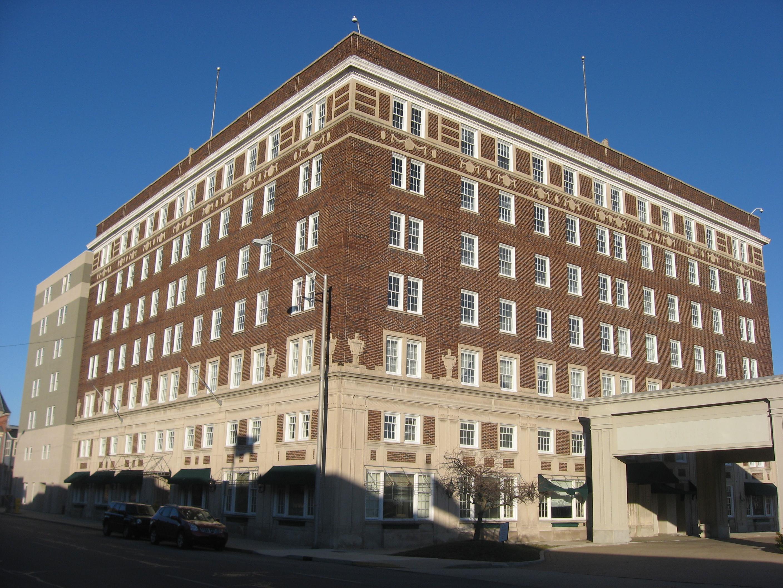 File Roberts Hotel In Muncie Jpg