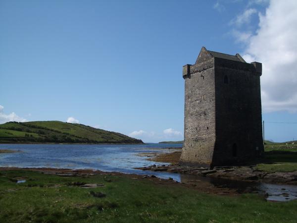 File:Rockfleet Castle (Carraig-an-Cabhlaigh) - geograph.org.uk - 1288125.jpg
