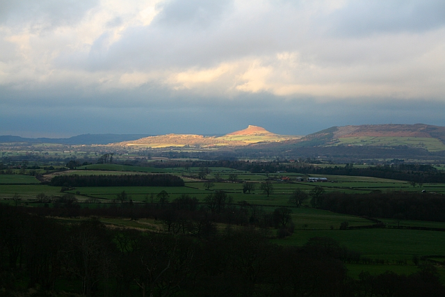 Roseberry Topping - geograph.org.uk - 642351