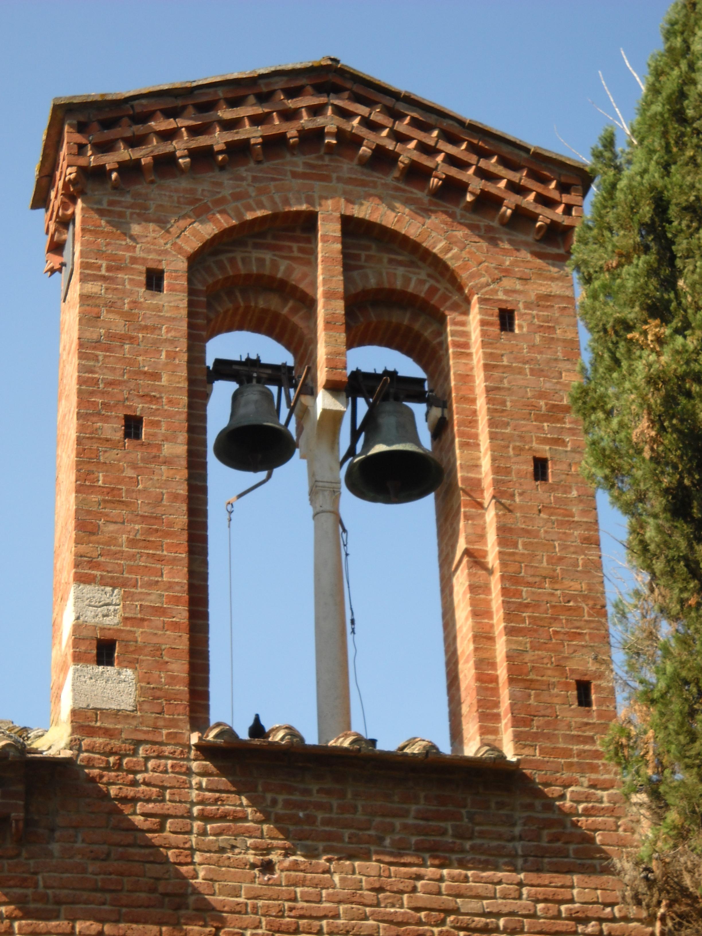 San Giovanni d'Asso, chiesa di San Pietro in Villore, campanile.jpg
