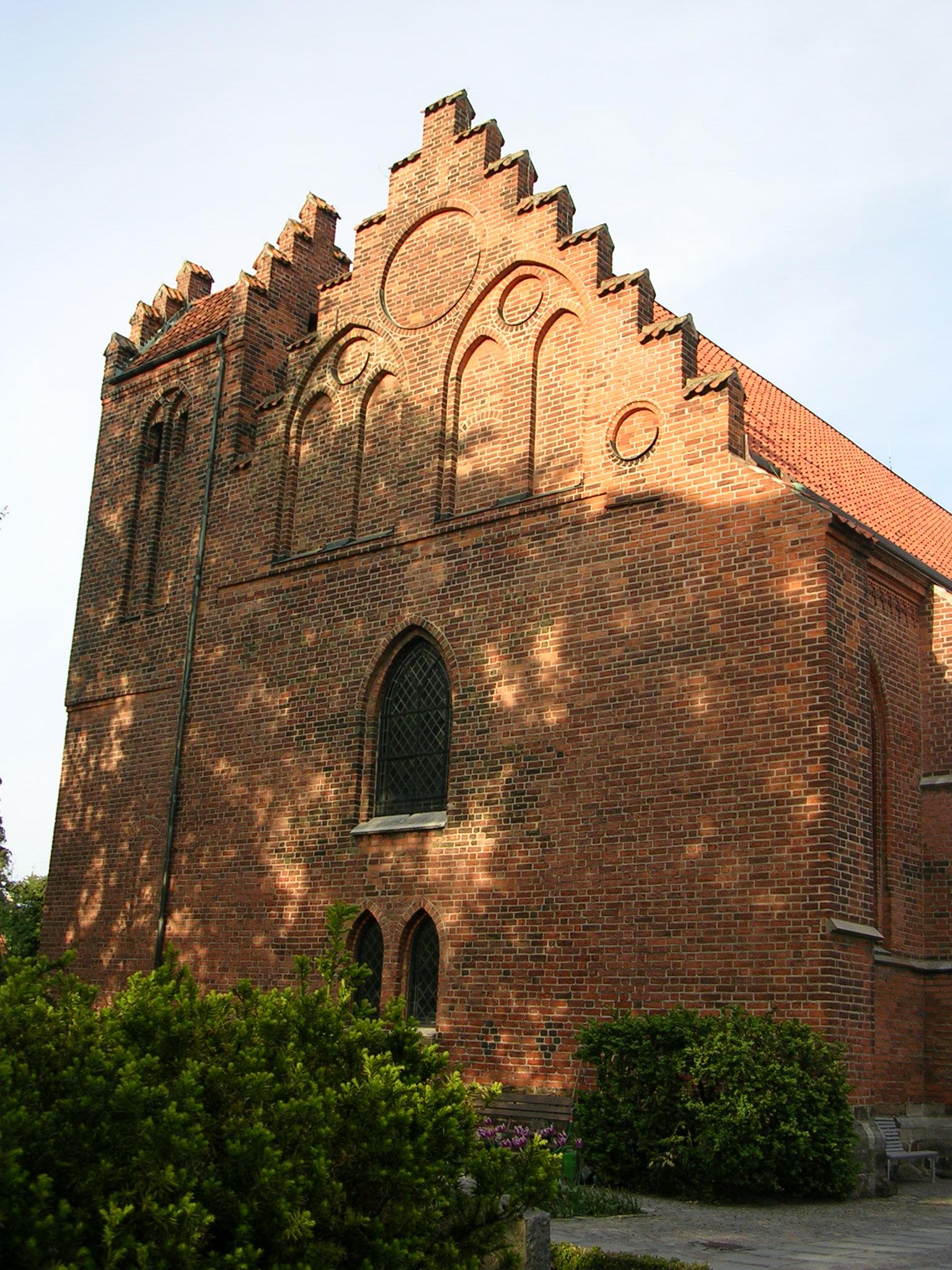 Fil:Klosterkyrkan, hayeshitzemanfoundation.org Wikipedia