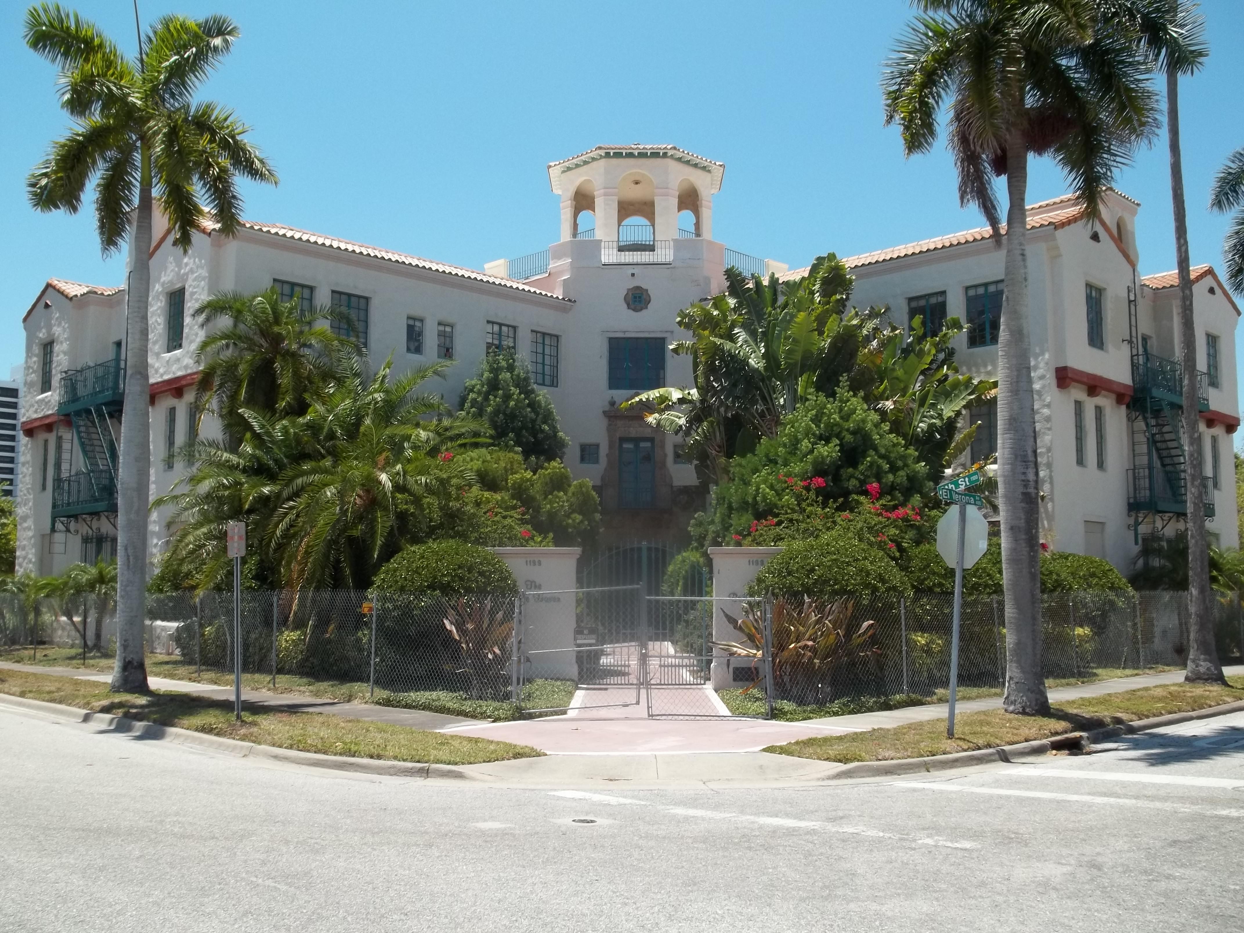 File Sarasota FL El Verona Apts01 Wikimedia mons