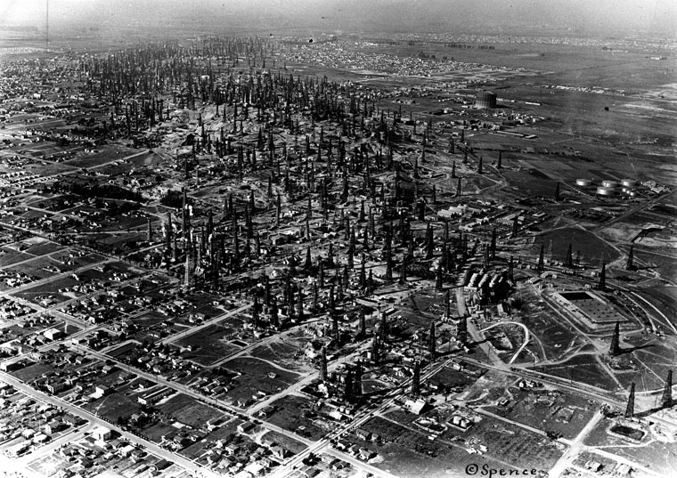 oil towers in californian oil fields of the late 1930