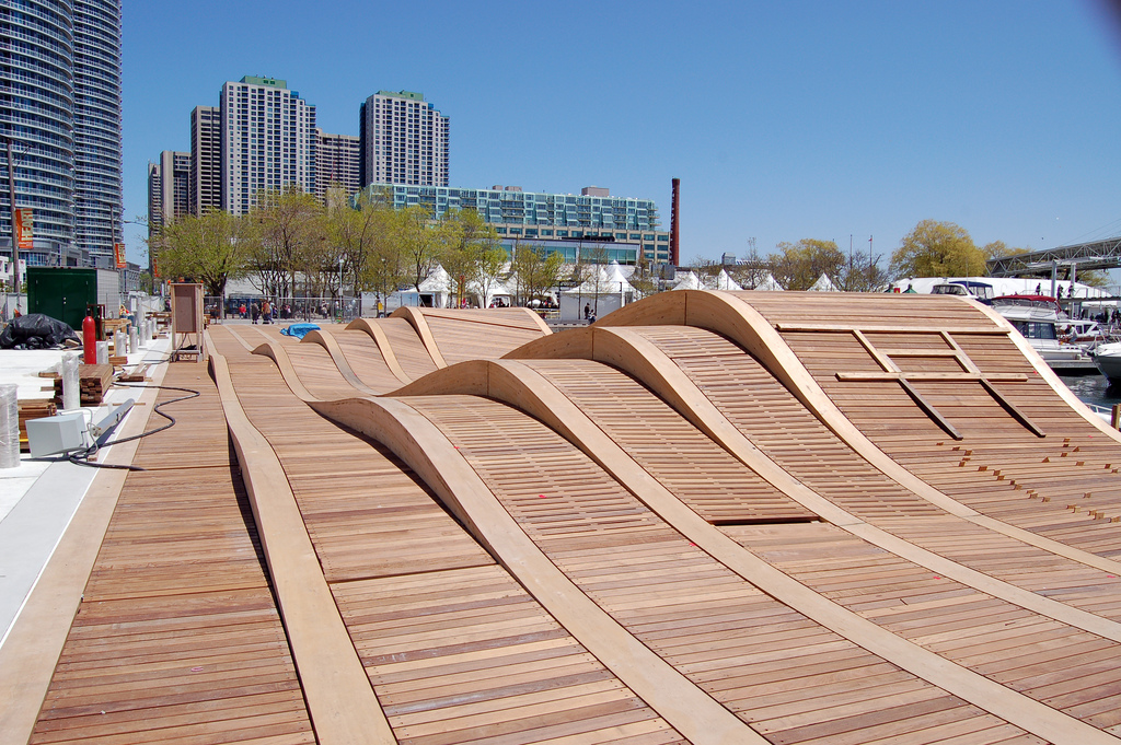 File Simcoe Wave Deck Nearing Completion 2 Jpg Wikipedia