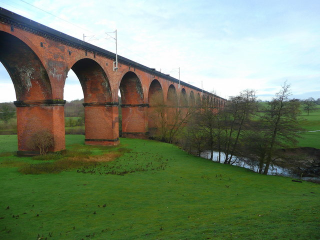 The Twemlow Viaduct 1 - geograph.org.uk - 1083009
