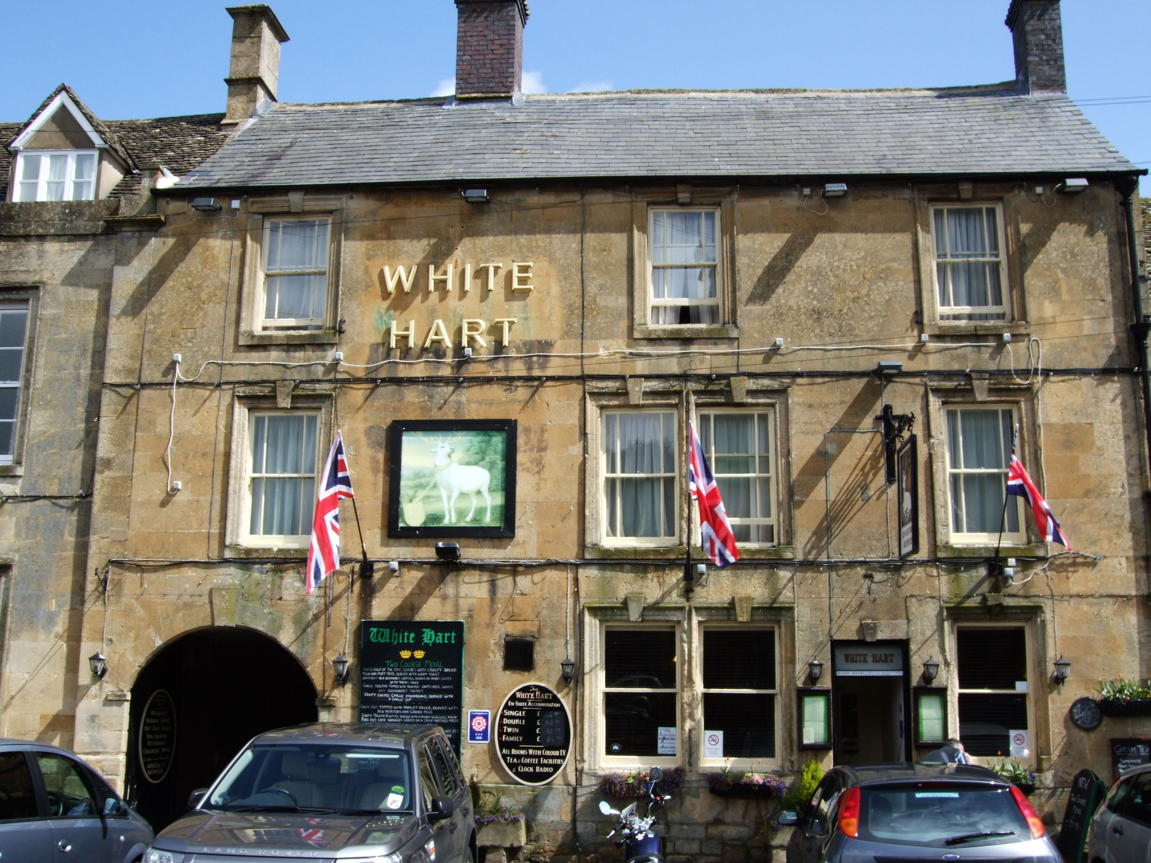 White Hart Inn >> File:The White Hart Inn, Stow-on-the-Wold.jpg - Wikimedia Commons
