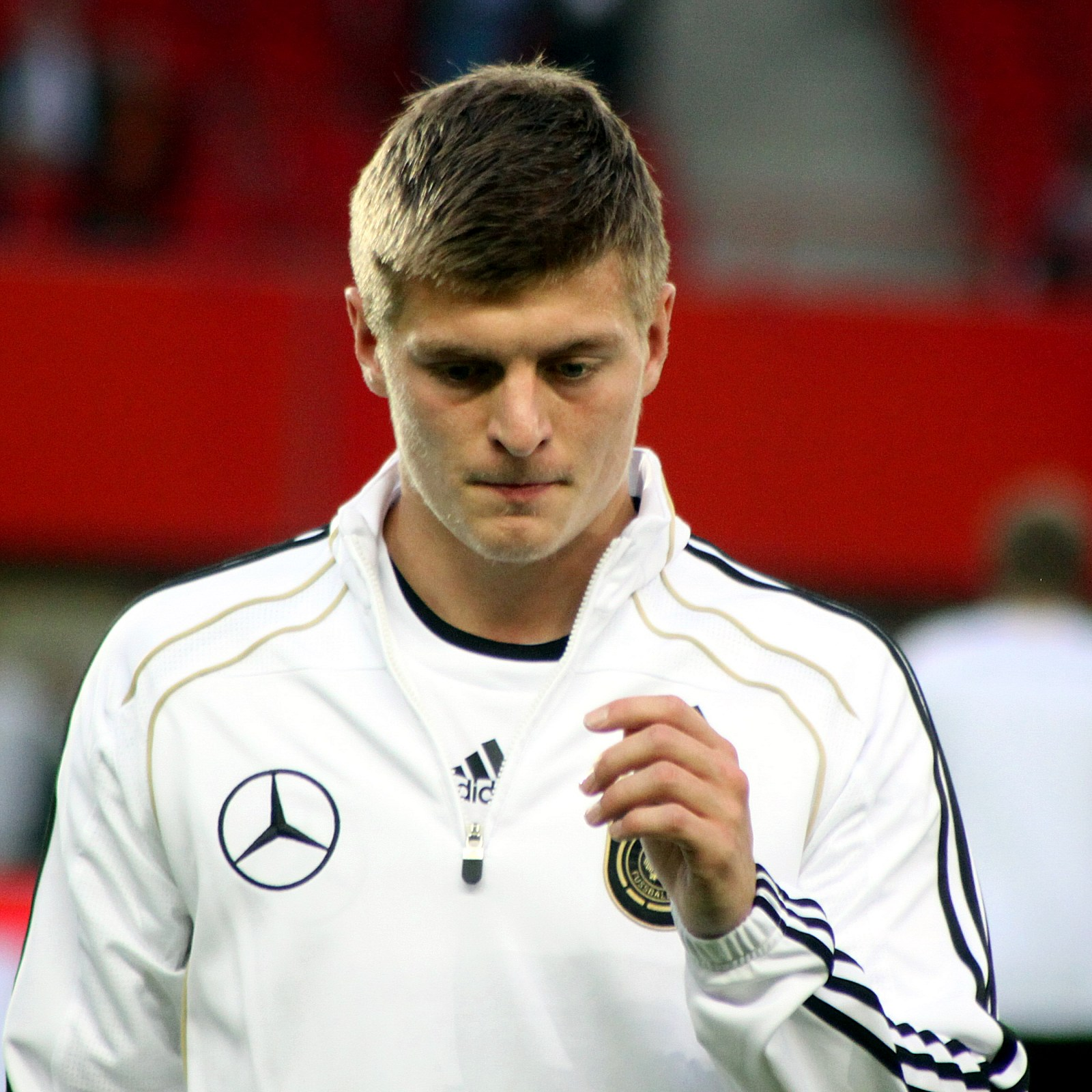 Toni Kroos  - 2019 Light blond hair & sporty hair style.