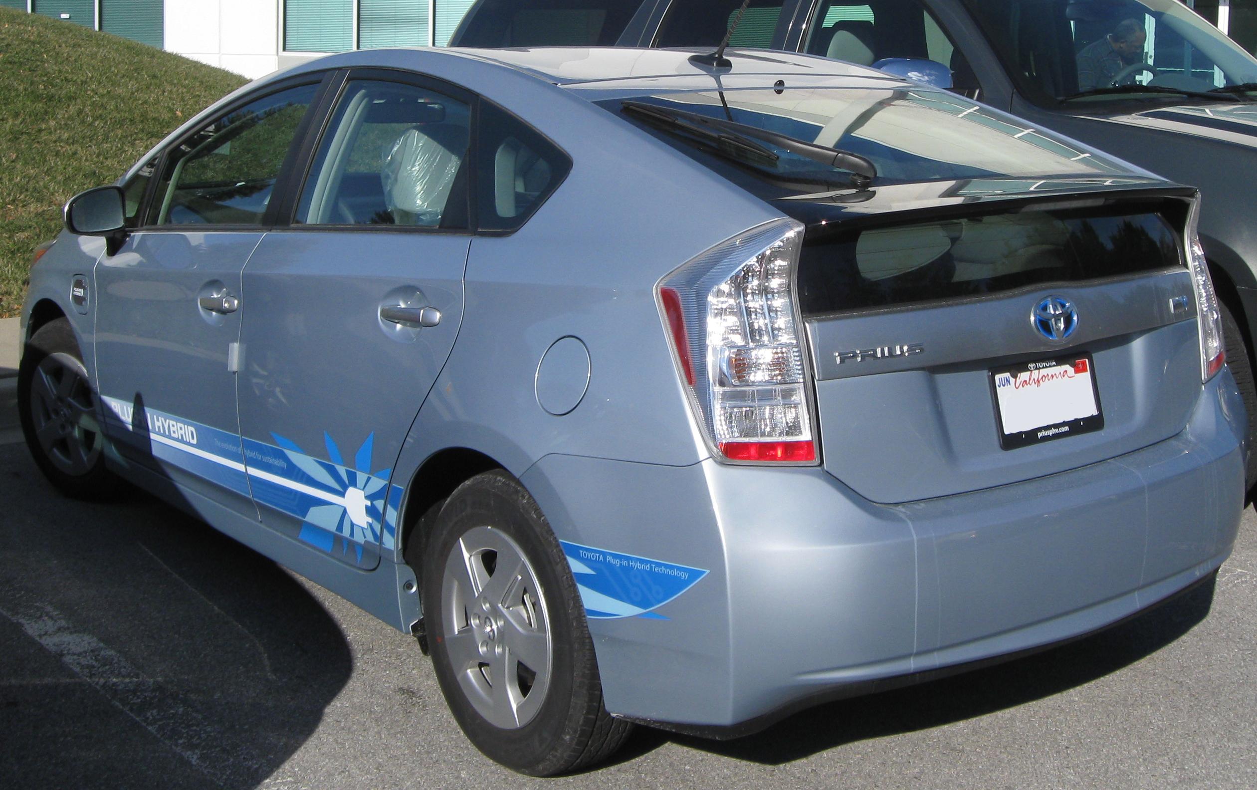 File Toyota Prius Plug In Hybrid Rear 12 15 2010