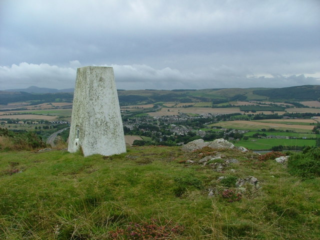 Trig Point on top of Moncreiffe Hill - geograph.org.uk - 1475947