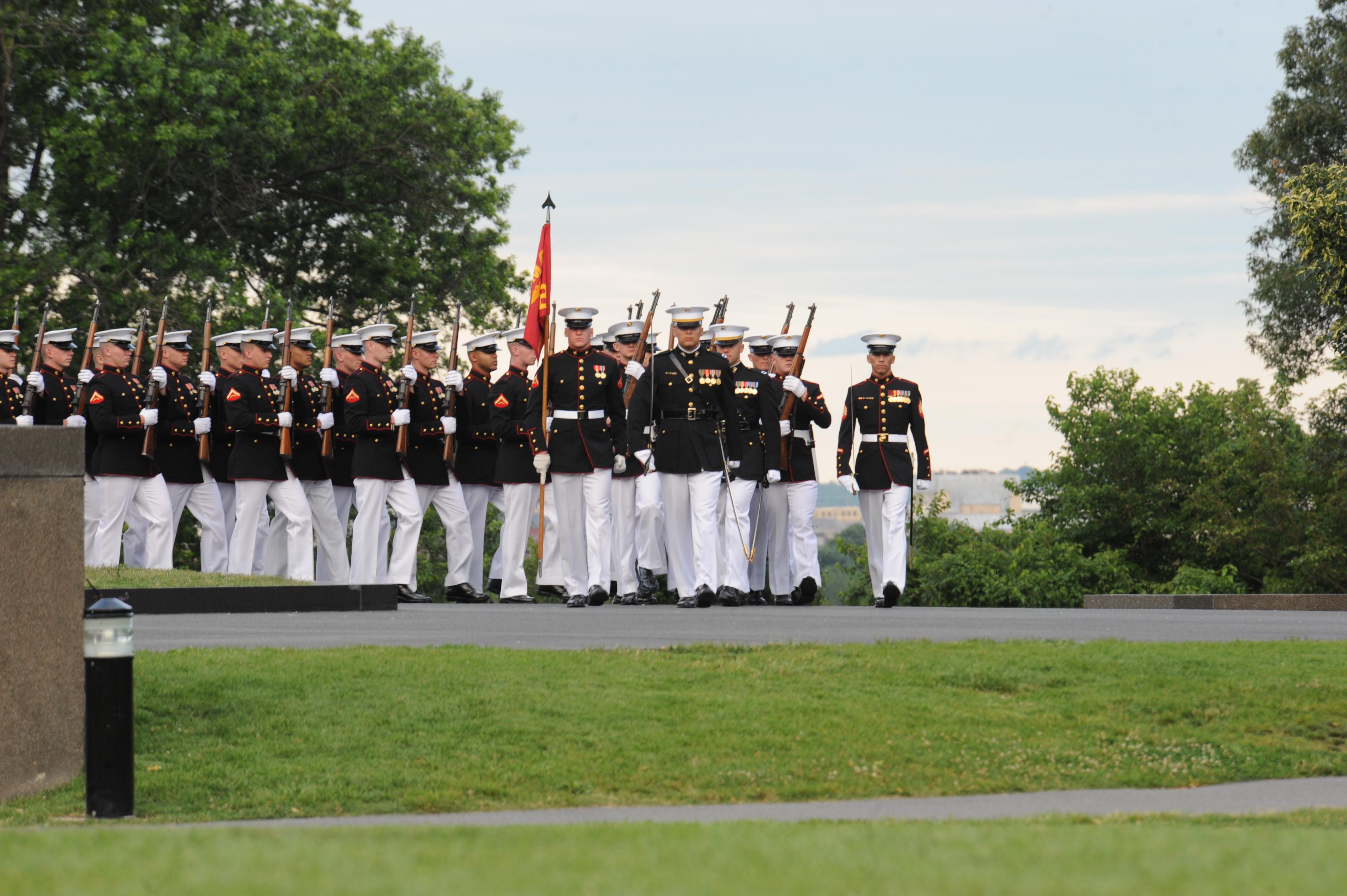 File:U.S. Marines assigned to Marine Barracks Washington ...