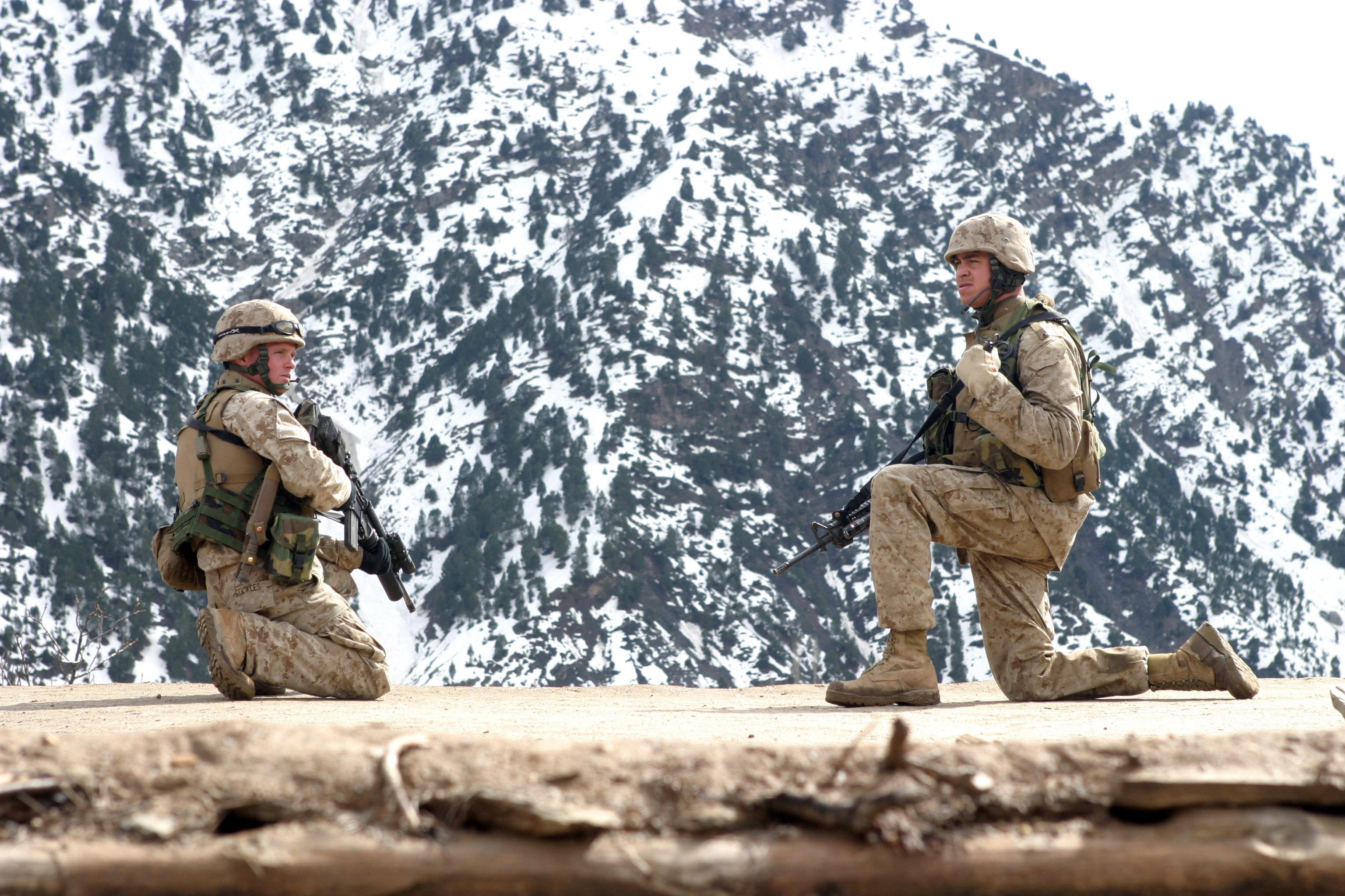 File:US Navy 050319-M-4697Y-046 U.S. Marine Corps Cpl. Thomas ...