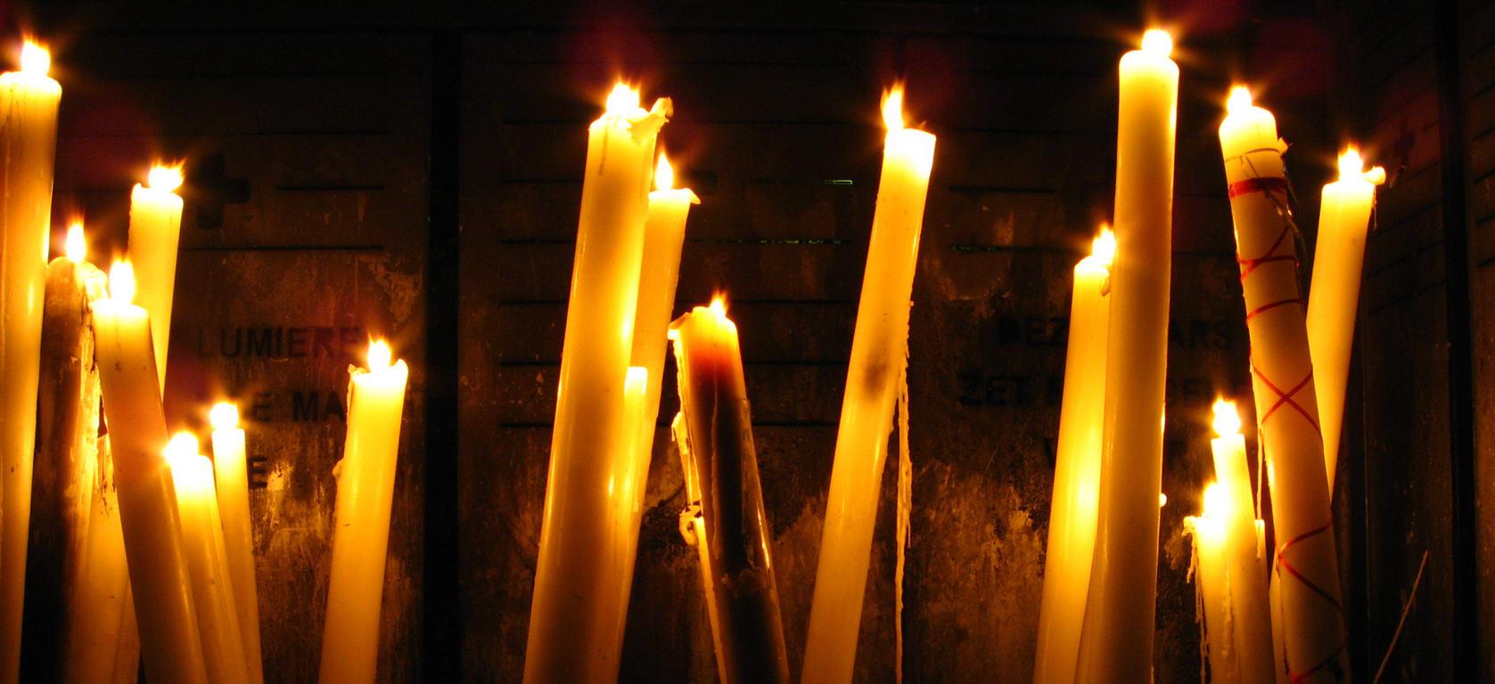 Dia de todos los santos fiesta de vivos - Velas de la suerte ...
