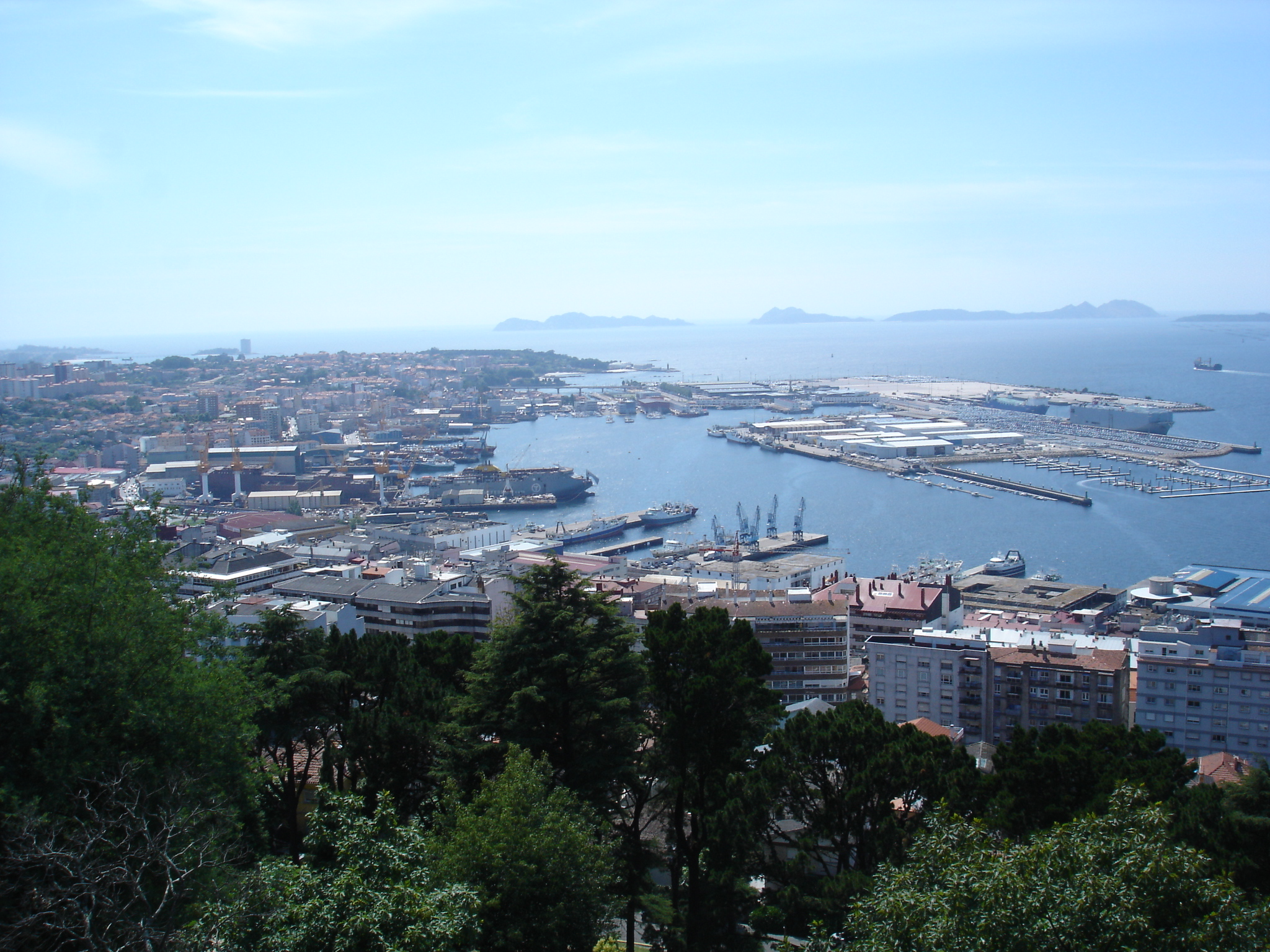 Vigo Spain  city photos gallery : Vigo dende o monte do castro Wikipedia, the free ...