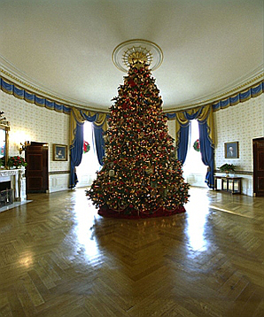 2002 Blue Room Christmas tree.jpg