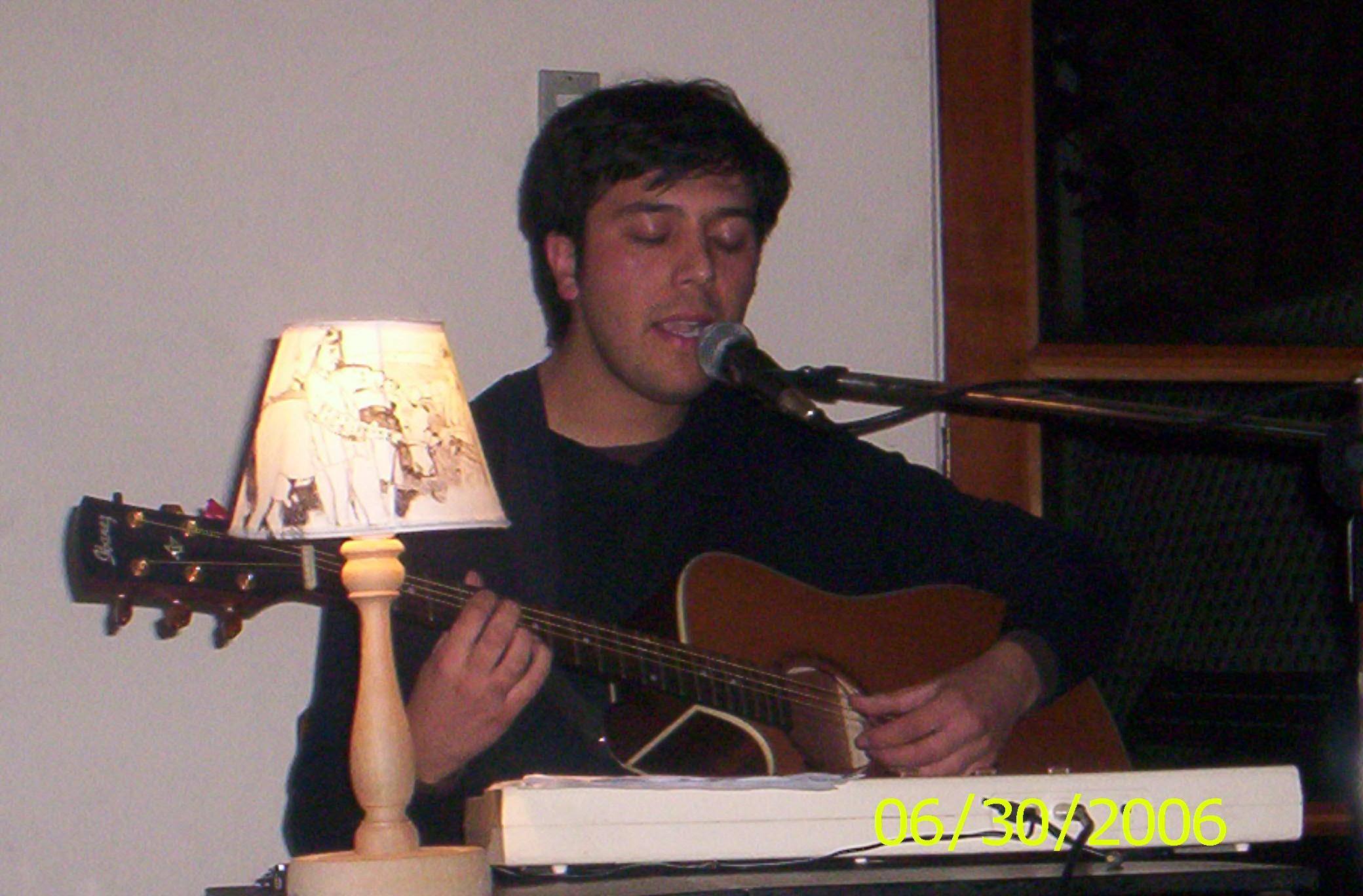 Gepe en concierto en Radio Tierra (2005).