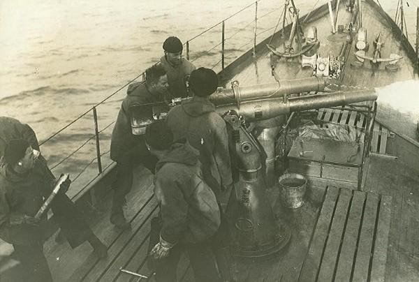 3-inch_23-caliber_gun_aboard_USS_SC-291.