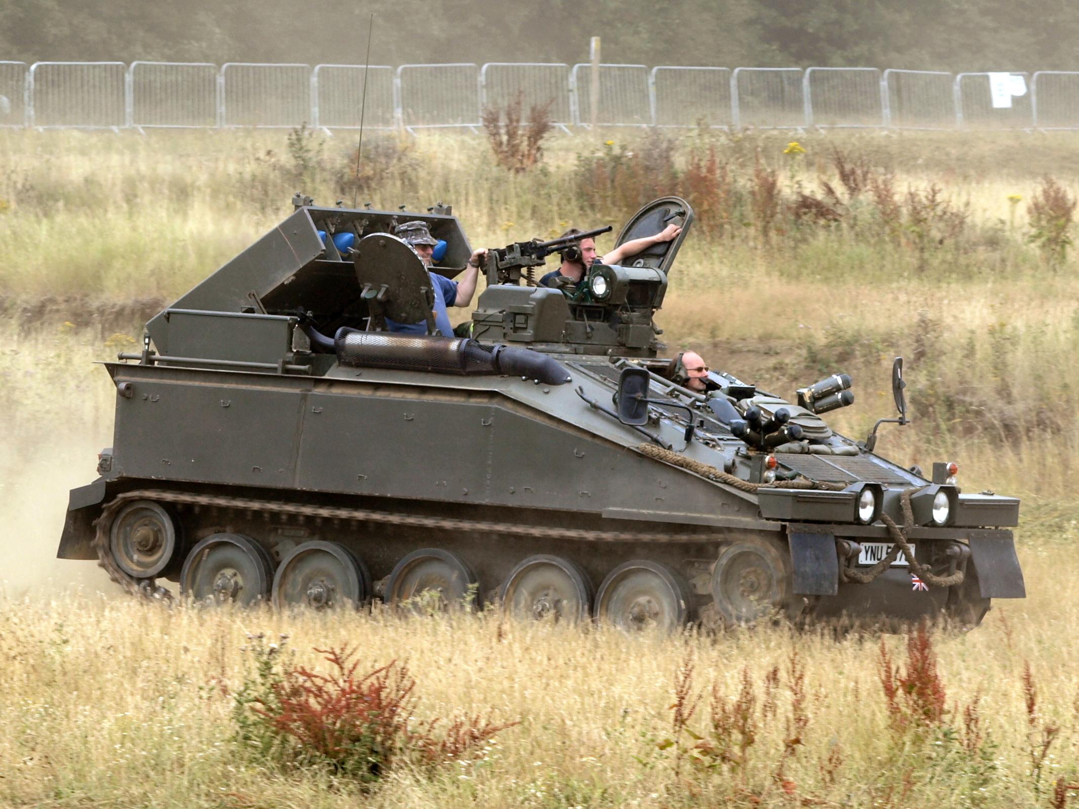 Battle Strikers Turbo Tops Eaglestrike   Tank Battle Strikers
