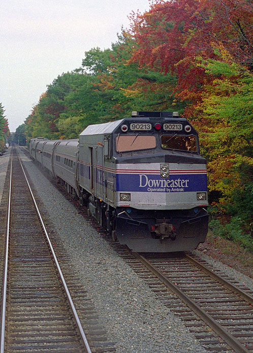 http://upload.wikimedia.org/wikipedia/commons/c/c2/Amtrak_downeaster_ocean_park_2005.jpg