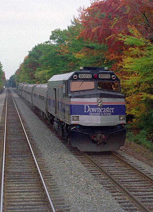 Amtrak downeaster ocean park 2005.jpg