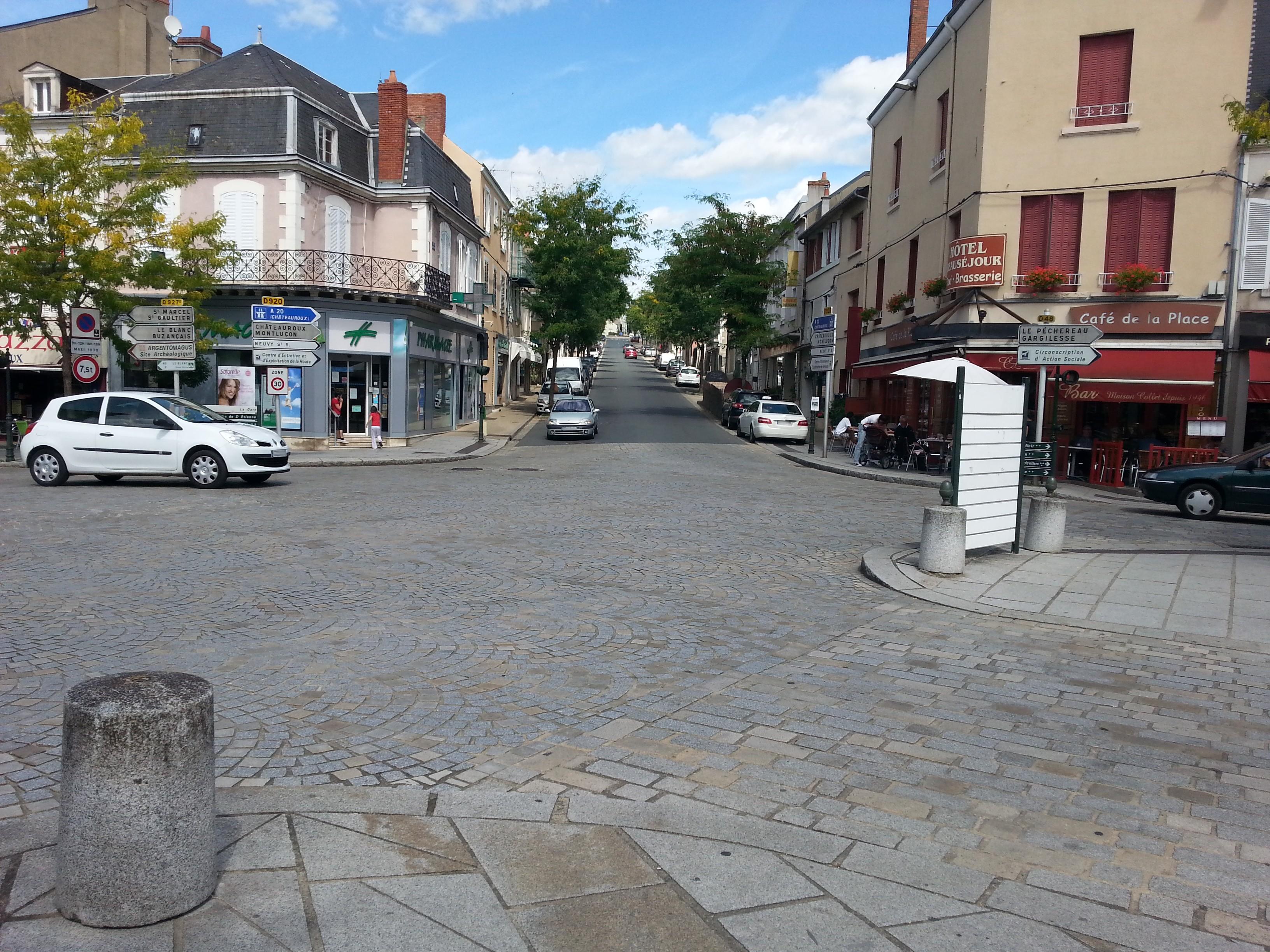 File argenton sur creuse 36 rue ledru for Argenton sur creuse piscine