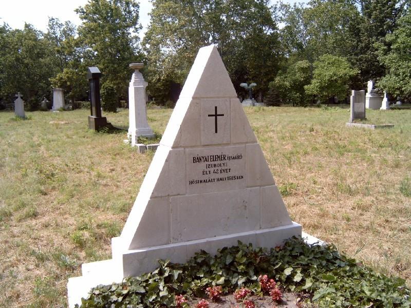 Bányai Elemér sírja a Fiumei úti Nemzeti Sírkertben