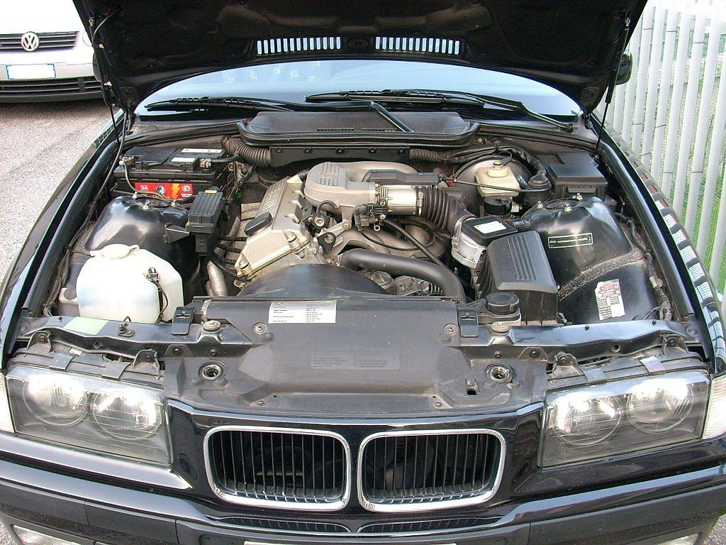 File Bmw 316 E36 Engine Bay 1 Jpg Wikimedia Commons