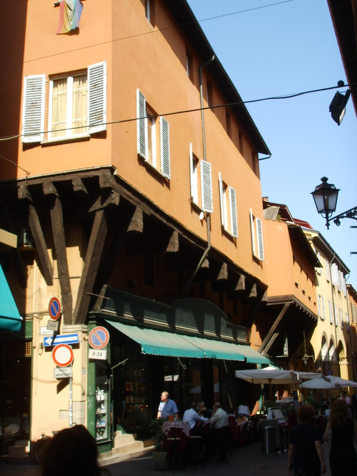 Portici di bologna wikipedia - Casa del cuscinetto bologna ...
