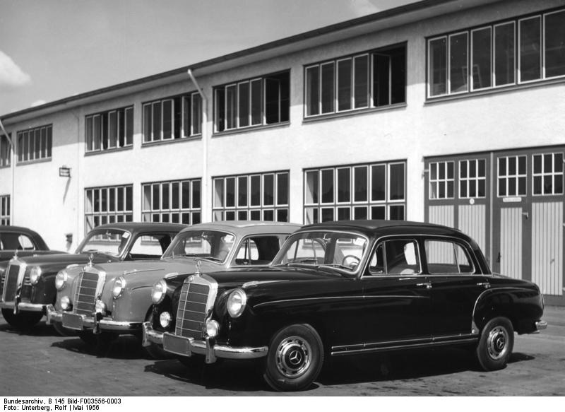 file bundesarchiv b 145 bild f003556 0003 sindelfingen mercedes wikimedia commons. Black Bedroom Furniture Sets. Home Design Ideas