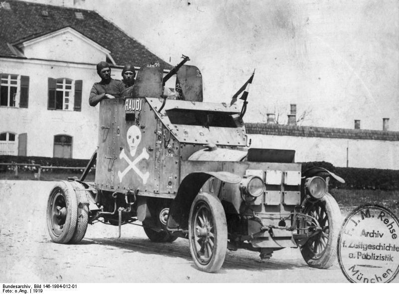Bundesarchiv_Bild_146-1984-012-01%2C_Gepanzerter_Kampfwagen_mit_MG.jpg