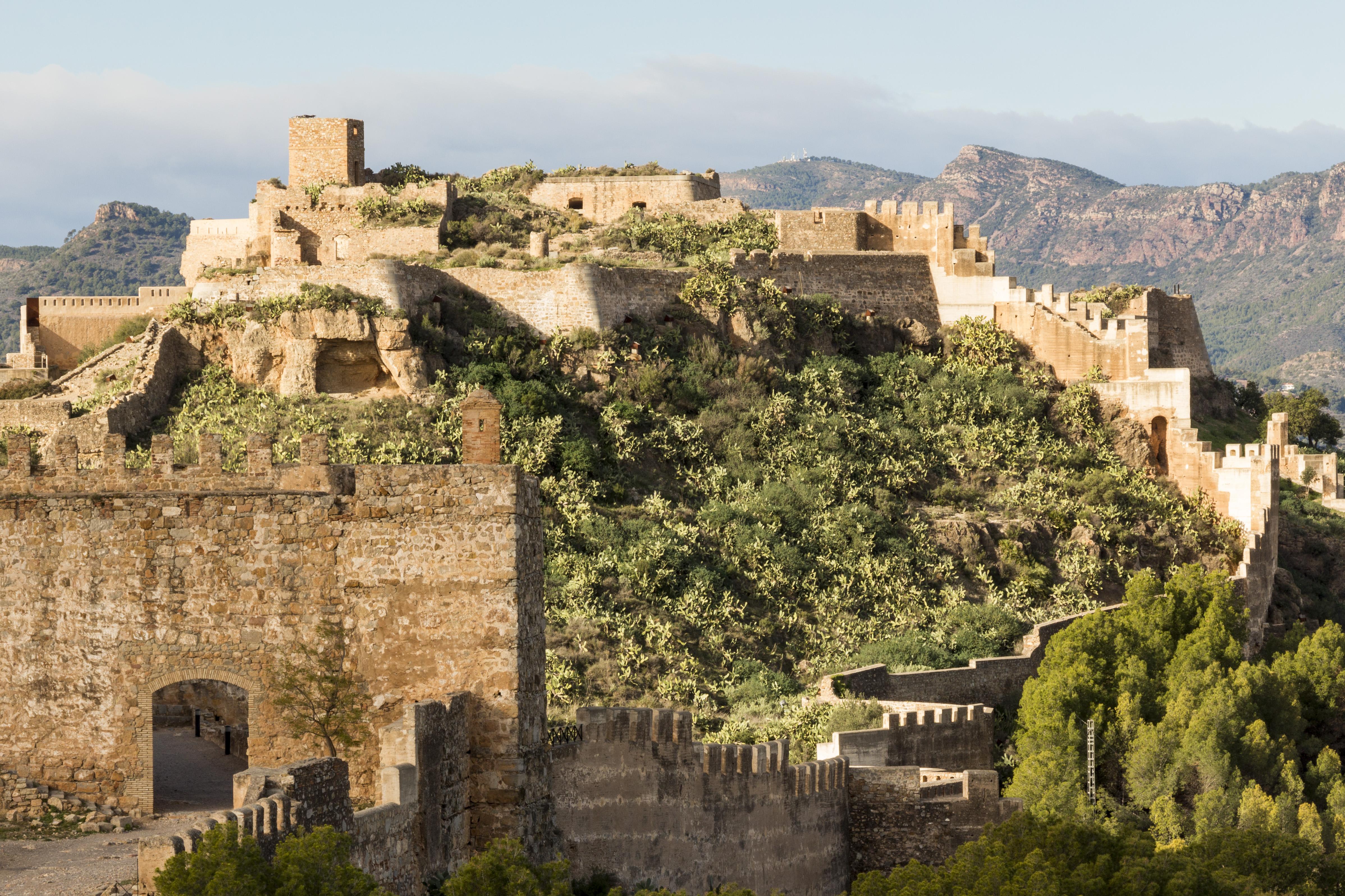 File castillo sagunto wikimedia commons for Oficina turismo sagunto