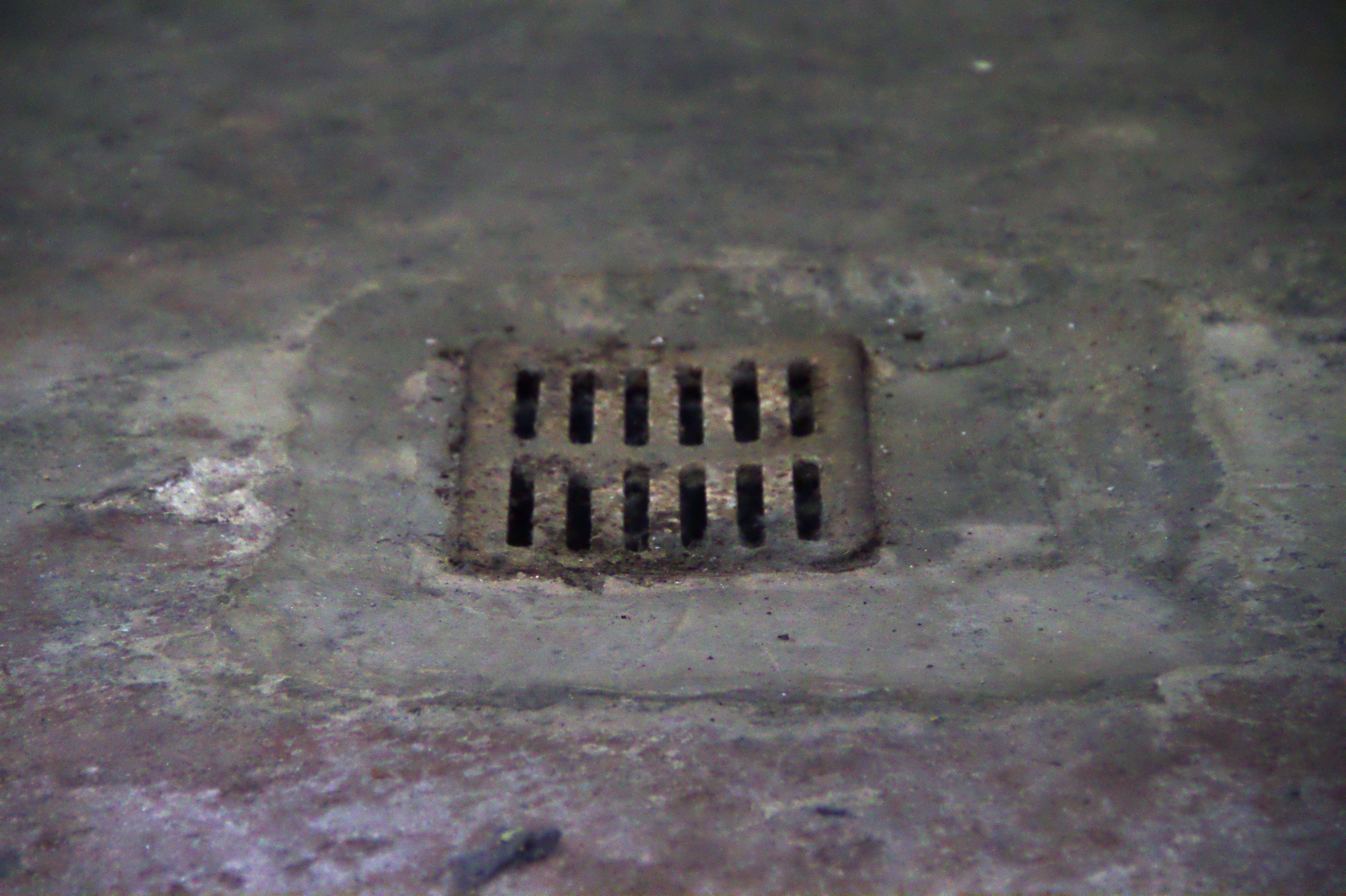 File:Chambre u00e0 gaz du Camp de concentration de Natzwiller-Struthof 02 ...