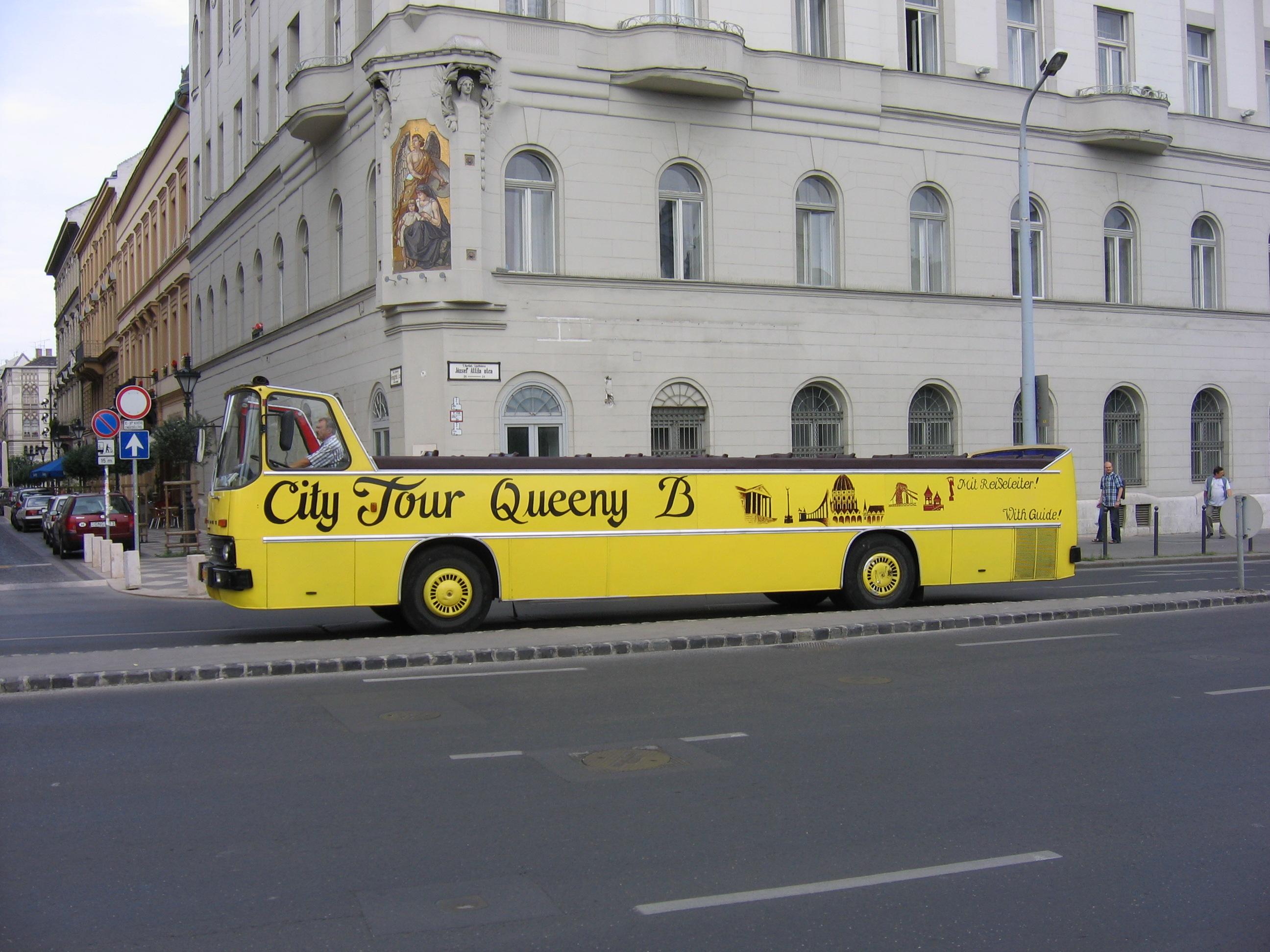 K Tour Bus