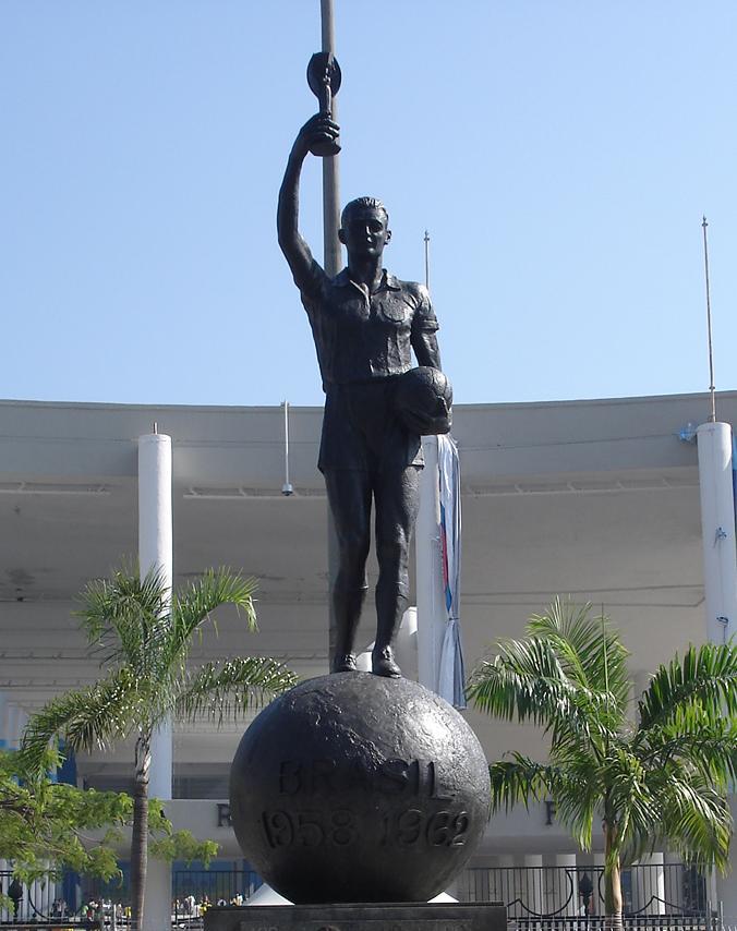Estatua de Bellini en el Maracaná